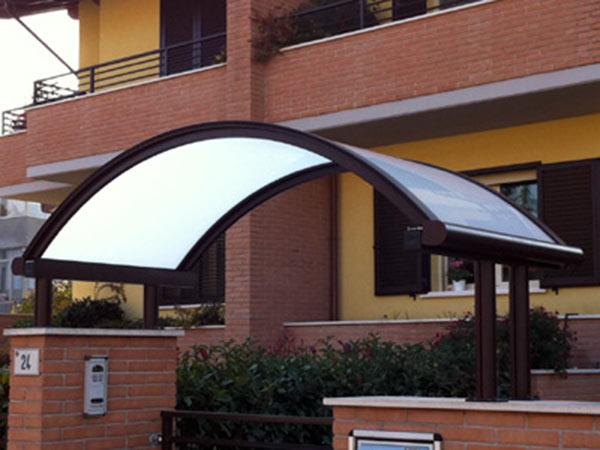 Installazione-pensiline-per-negozi-Reggio-Emilia
